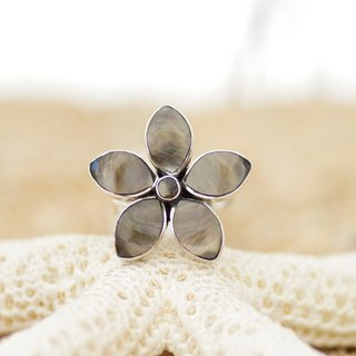 Flower ring of shell <Tahiti Brown>