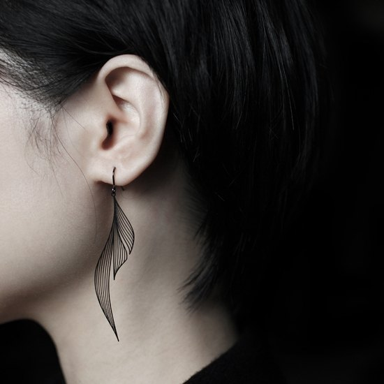 黑涟漪耳环 Black Ripple Earrings