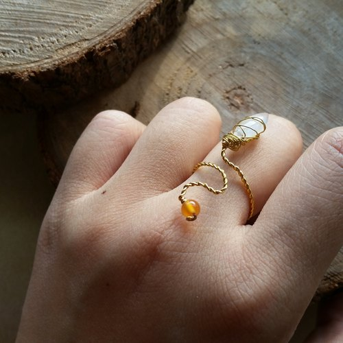 月亮石 , 橙玛瑙石 镀金戒指 please provide ring size when order gold-plated Silver-plate chain Ring with  moonstone and agate