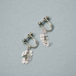 Earrings: Paper Flower Earrings No.3