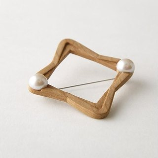 wood Hand-carved square · brooch-L-