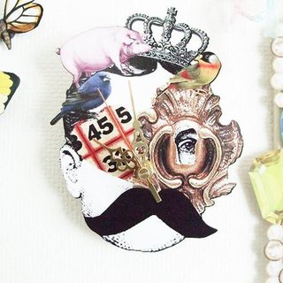 nina's Posted 2way Mini Wall Clock keyhole man