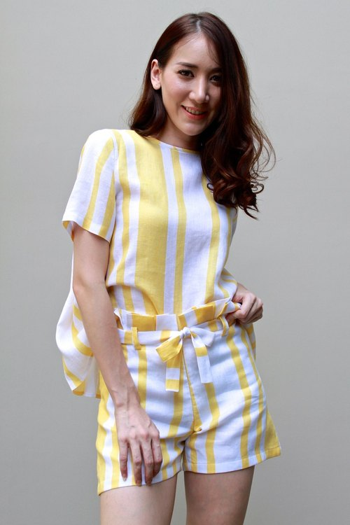 Pants in striped yellow linen
