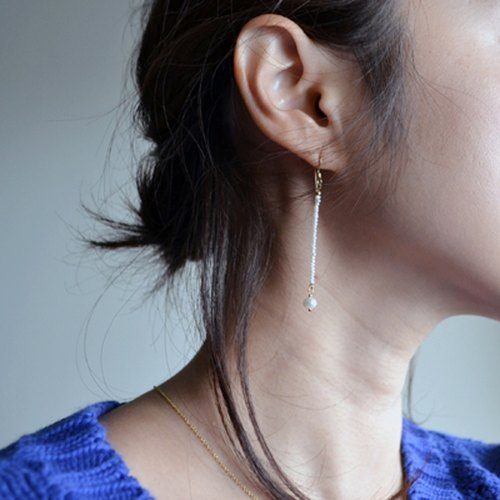 [Pierce] in delicate like, such as the thread of freshwater pearl + 14KGF mature earrings / TheadPr01
