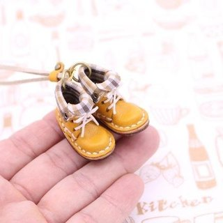 Of small leather boots necklace | with mango lining