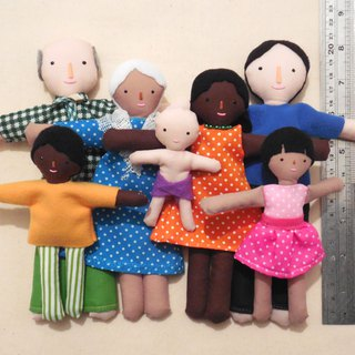 Family of dolls with different skin color - 娃娃 - 雪人家庭 - Playset - Doll house