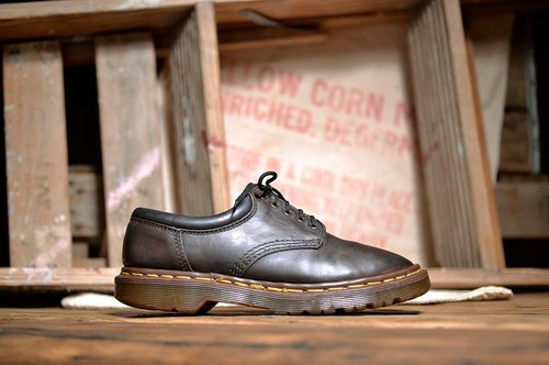 《Dr. Martens Shoes》复古咖啡 work 系列DME13