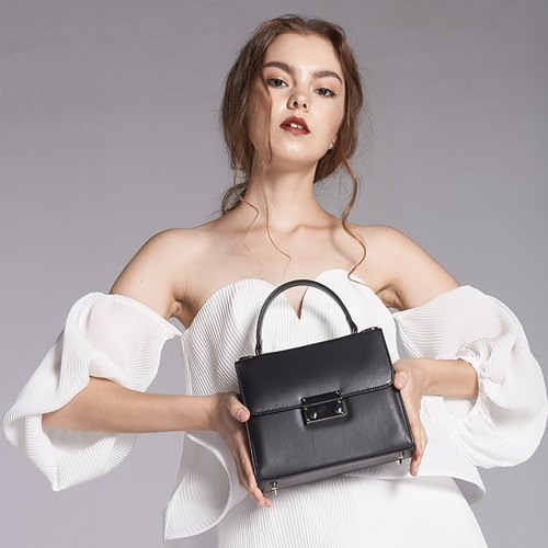 MINIMAL STYLE ITALIAN LEATHER WOMAN HANDBAG-BLACK