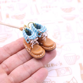 Of small leather boots necklace | with Marron lining