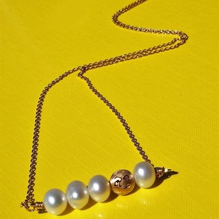 Slime lady freshwater pearl necklace