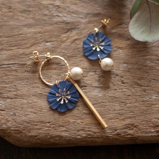 Hoop and flower earrings / earrings / navy blue