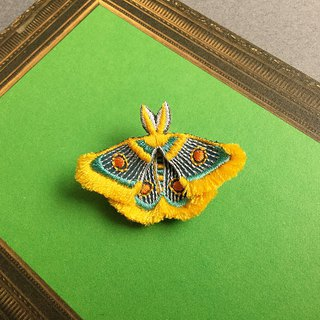 ARRO / Embroidery brooch / moth / yellow