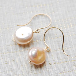 Light Pink Coin Pearl earrings (14kgf)