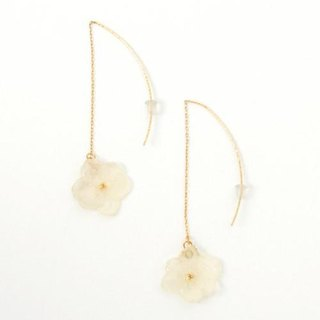 Hydrangea's American Pierced Earrings*White*
