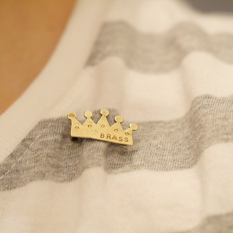 Crown crown Chibi brooch material Brass