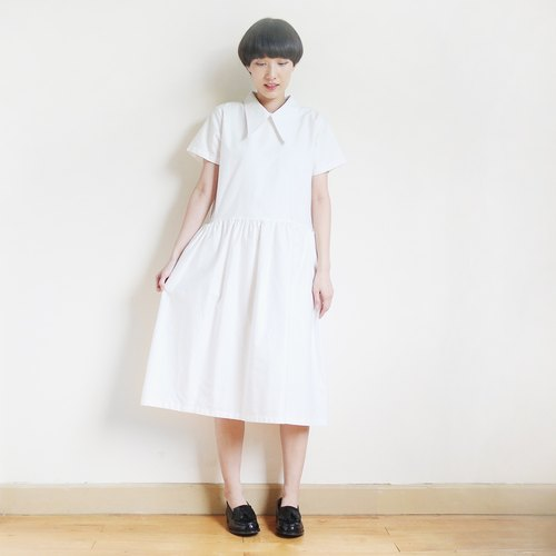 oxford big collar gathered dress : off-white