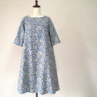 Watercolor-like flower pattern flare dress * Double gauze * 100% cotton * Northern European style * Ash gray