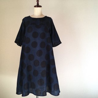 Large dot pattern * Flare one piece * Double gauze * Navy