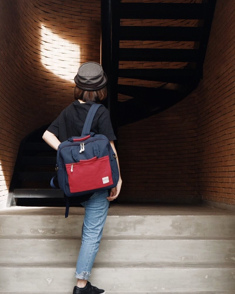 SQUARE UP BAG : NAVY-RED COLOUR