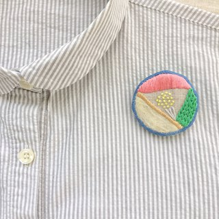 Brooch / hand embroidery / rainy day
