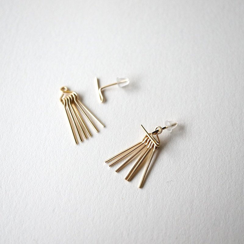 Short line fringe pierce 14kgf fringe 2way earrings