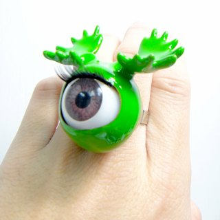 TIMBEE LO 绿色鹿角眼珠戒指 Antlers Eyeball  with Green Epoxy Ring