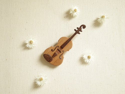Brooch wooden violin