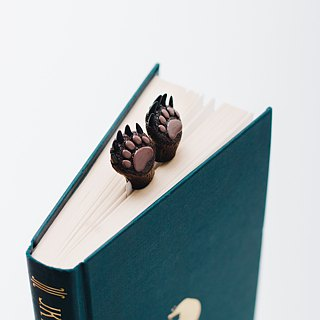 Bear paws bookmark from authentic MYBOOKMARK