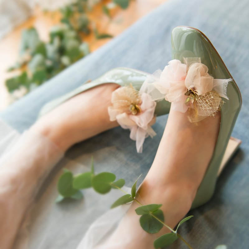 Blooming shoe clip | | party || champagne