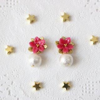Poinsettia and cotton pearl earrings / earrings