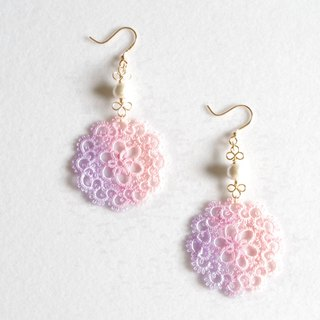 Hand-dyed tatting lace and cotton pearl earrings · Akebono