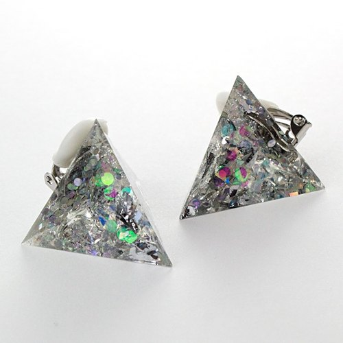 Triangle earrings (Kirameki)