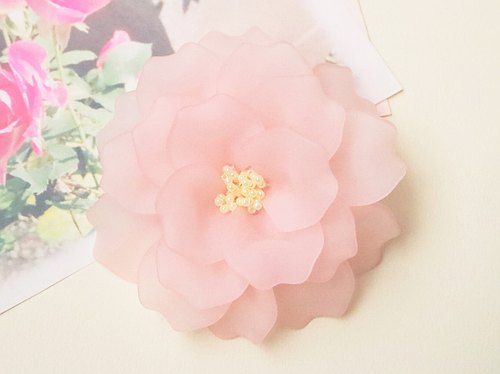 Paeon's corsage pink