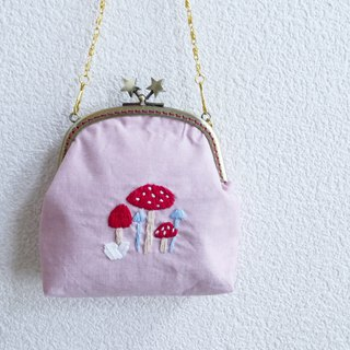 Embroidery handbag mushrooms pink