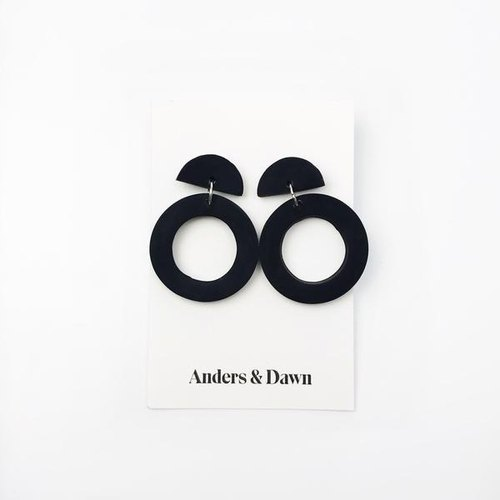 CIRCLE DROP EARRINGS - BLACK