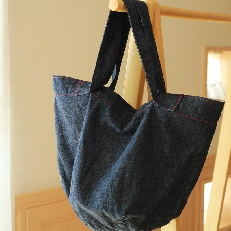 Denim Tote Bag (Red Stitch) / Okayama Kojima 8 Onsumura Yarn Denim (Indigo Blue) × Cotton Linen (Generated)