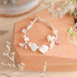 a handmade lucky soft pink lucky stone bracelet comes with the real pearl by niyome craft