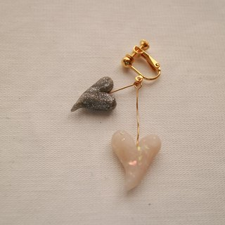 Baum Heart Earrings / Earrings Silver × White