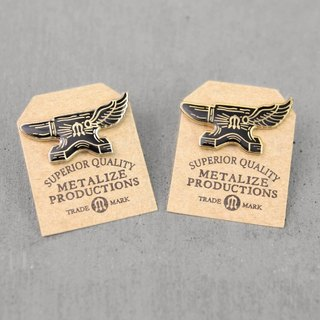 【METALIZE】Flying Anvil Logo Pin 铁觇翅膀LOGO PIN