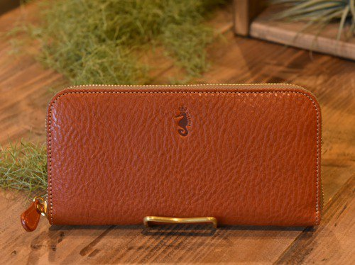 [New product] [Cogocoro x Takumics collaboration] Round fastener wallet made of Tochigi leather Red Camel