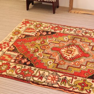 special wool carpet Hand-woven rug Turkish kilim 150 × 105cm