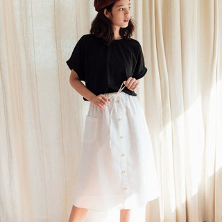 Linen skirt with Wooden buttons - White
