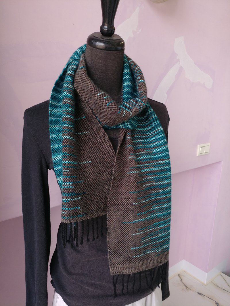 Handwoven by Carina | Clasped Weft Scarf