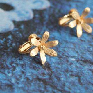 6 petal earrings