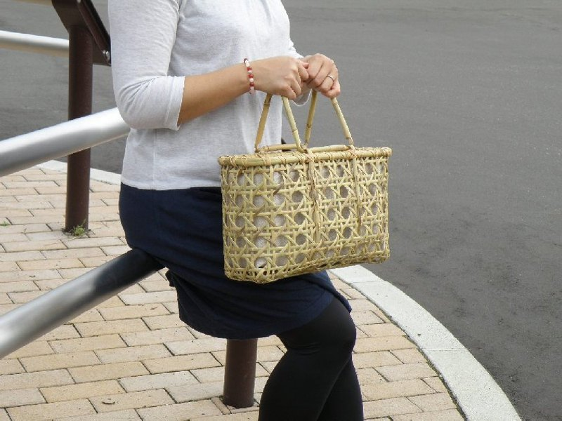 Bamboo cage bag basket bag Eight braided roots bamboo