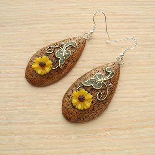 Wooden inlaid earrings with flowers