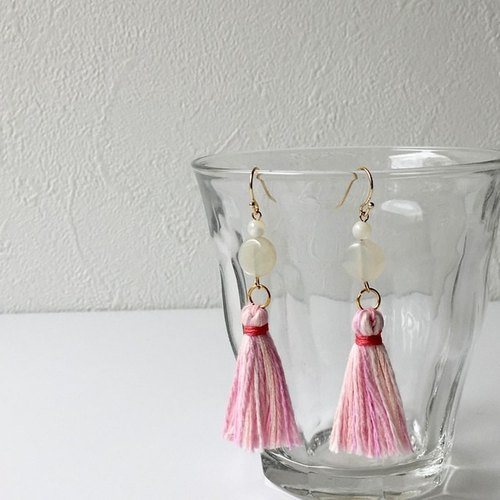 "Flickering tassel earrings earring ""Pink & White 3"""