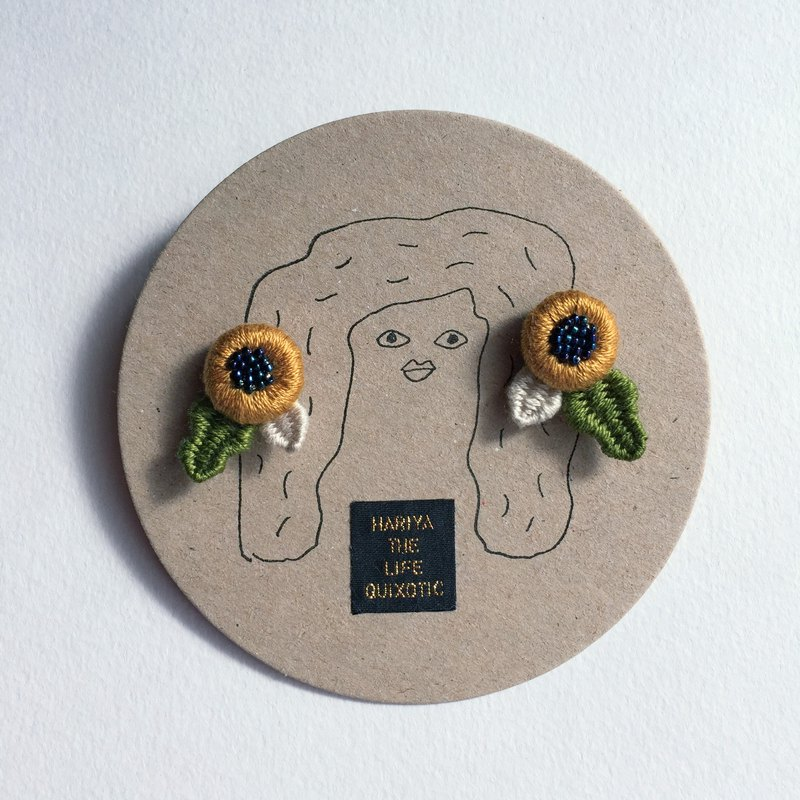 Flower earrings · yellow ocher x indigo