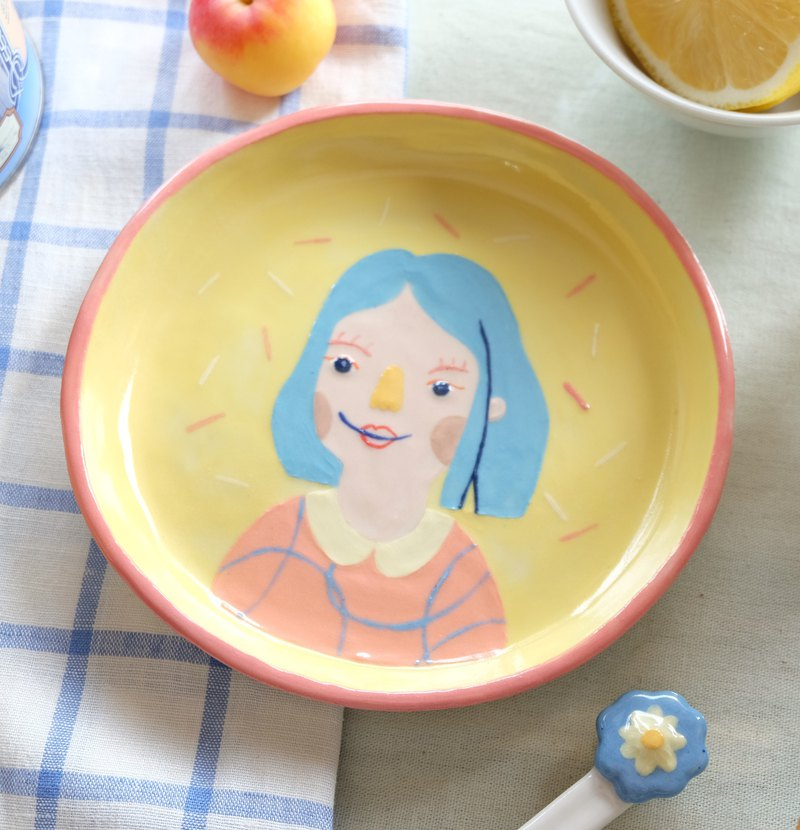 LITTLE GIRL DISH