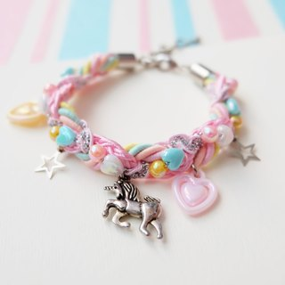 Unicorn braided bracelet in marshmallow color